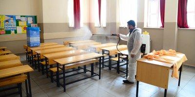 Okullara el dezenfekte üniteleri yerleştirildi