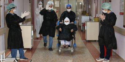 104 yaşındaki korona virüs hastası taburcu oldu