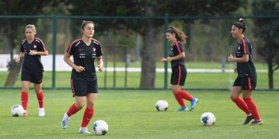A Milli Kadın Futbol Takımında hazırlıklar sürüyor