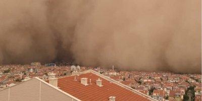 """Prof. Dr. Bayram: """"Kum fırtınası sağlık sorunlarına yol açıyor"""""""