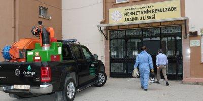 Çankaya Belediyesi okulları dezenfekte ediyor