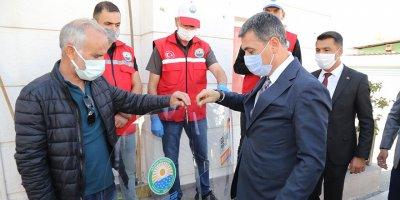 Başkan Şimşek'ten taksicilere siperlik