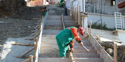 Kırkkonaklar'a yeni merdivenli yol