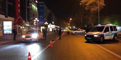 Başkent'te sokaklar boş kaldı