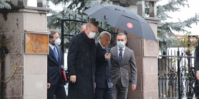 Cumhurbaşkanı Erdoğan, Devlet Bahçeli'yi evinde ziyaret etti