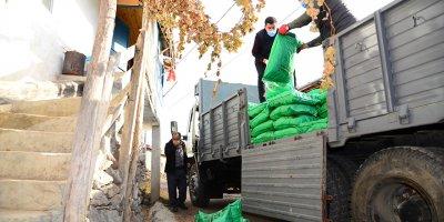 Kahramankazan'da ihtiyaç sahibi ailelere kömür yardımı