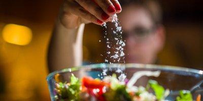 Fazla tuz tüketiminin 6 önemli zararı!
