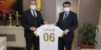 Ankara Valisi Şahin'den Ankaragücü'ne ziyaret