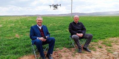 Gübreleme ve ilaçlamada artık dronlar kullanılacak