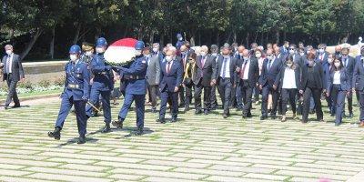 Sosyal Güvenlik Kurumu Başkanı İsmail Yılmaz, Anıtkabir'i ziyaret etti