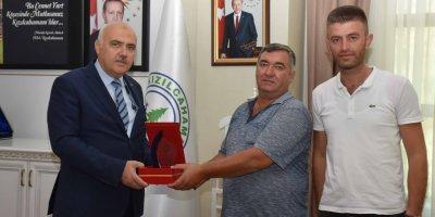Başkan Acar'dan personele anlamlı ödül