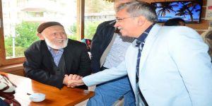 Başkan Çetin, Kızılcahamam'da dede ve nineleri ziyaret etti