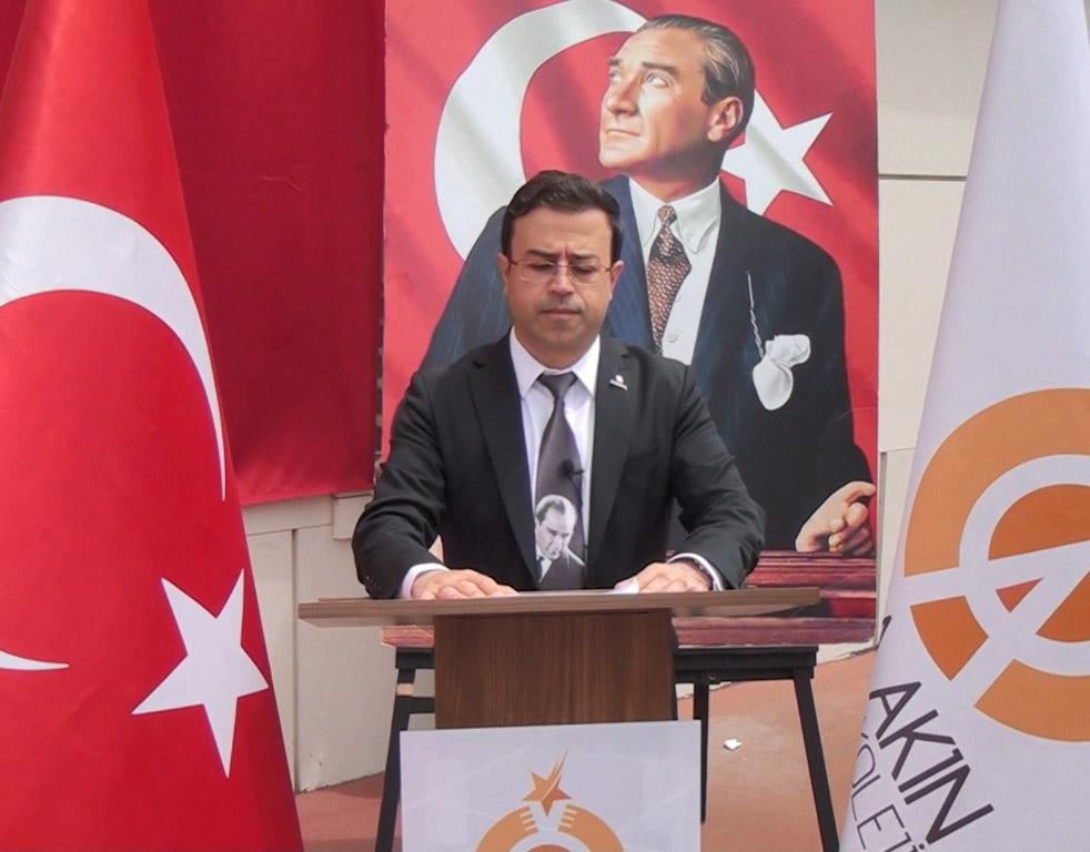 mehmet-çağri-musaoğlu_edebiyat-öğretmeni.jpg