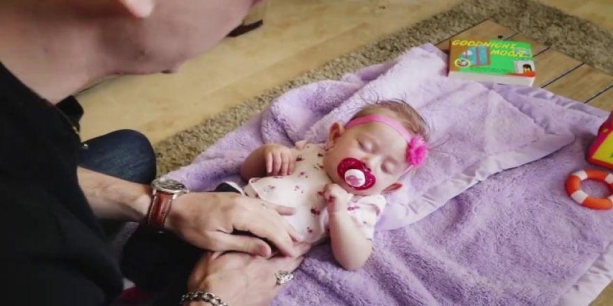 Bebek ikiye bölündü