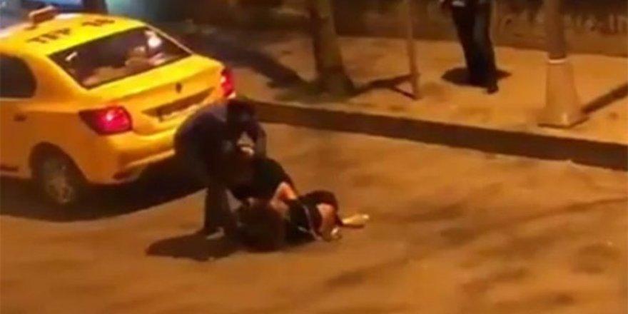 İki kadının saç başa kavgası kameraya yansıdı