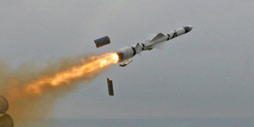 Suriye topraklarından İsrail'e 20 füze atıldı