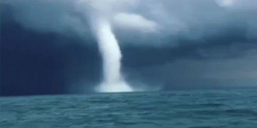 Karadeniz'de 'hortum' paniği!
