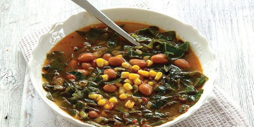Anne usulu kara lahana çorbası