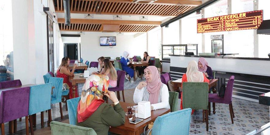 Kadınlara özel kafe ilgi görüyor
