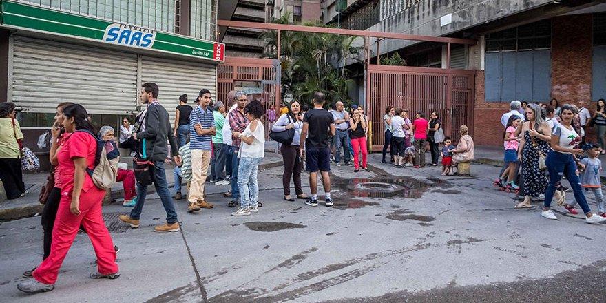 Venezuela 7.3 ile sallandı