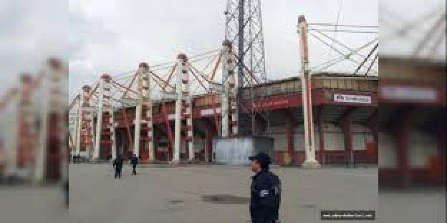 Ankara 19 Mayıs stadyumu domino gibi yıkıldı