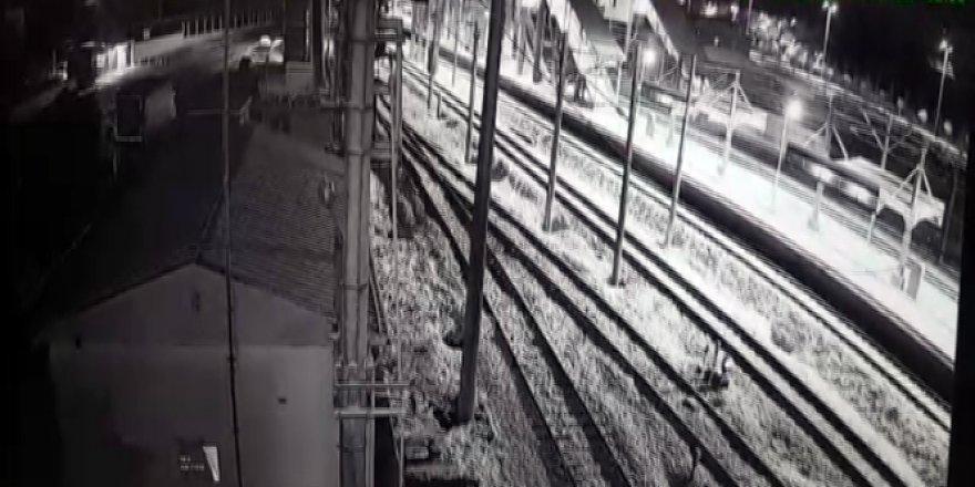 Ankara'daki hızlı trenin çarpışma anı!