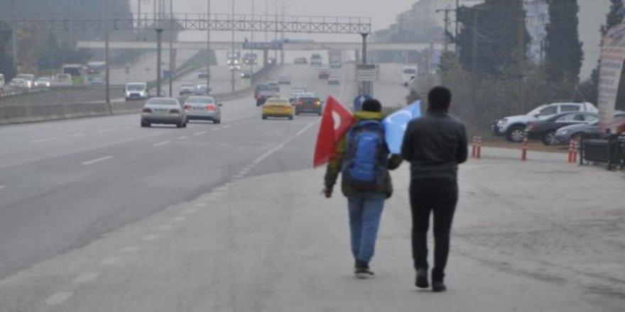 Türkistan'da yapılan zulme hayır