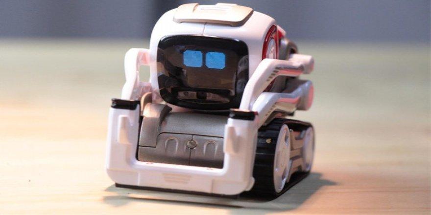 İçine İnsan Kaçmış Gibi Trip Atan Robot