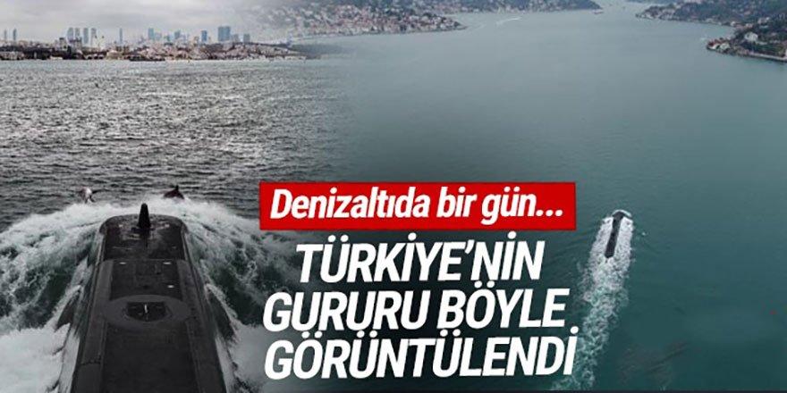 Türk Donanmasının gururu Yunuslar eşliğinde Boğazdan geçti