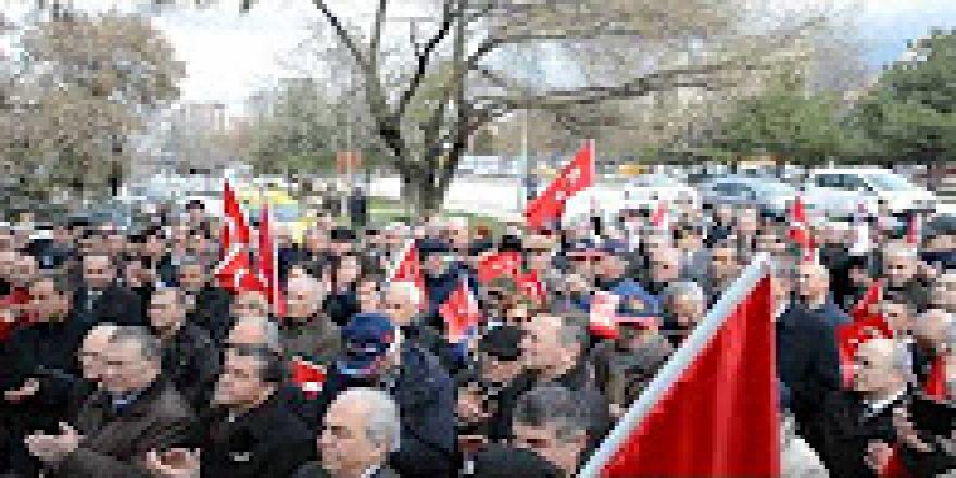 Türkiye emekli subaylar derneği TESUD Atatürk'ü andı