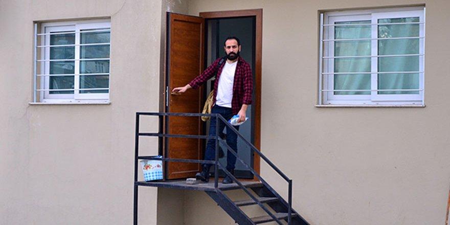 Oturduğu dairenin internette kiralık ilanını gören kiracı şok oldu