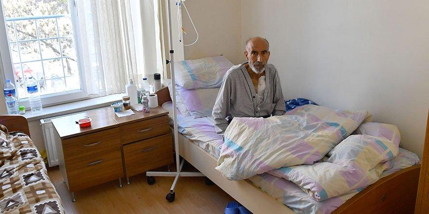 Hastalara uzanan şefkat eli