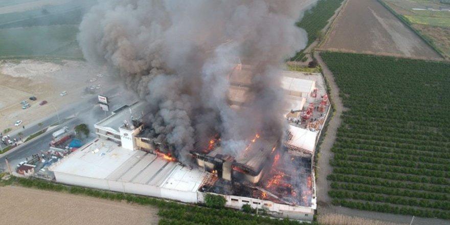 4 saattir devam eden yangın havadan görüntülendi