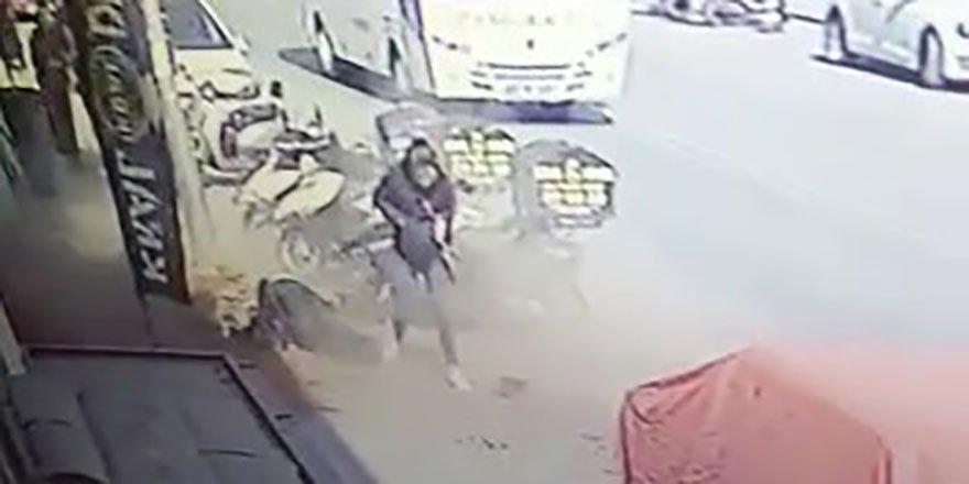 Genç kızın başına yürürken tuğla düştü