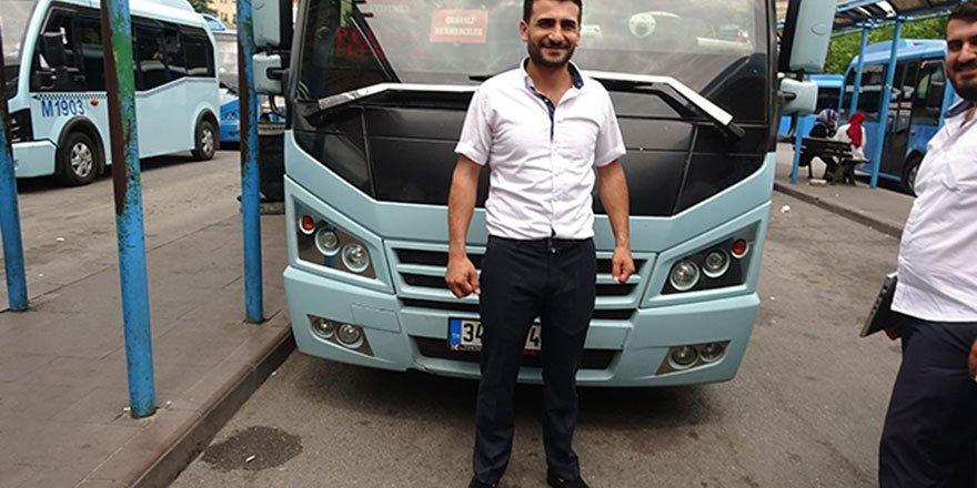 Kahraman minibüs şoförü fenalaşan yolcuyu hastaneye yetiştirmek için saniyelerle yarıştı