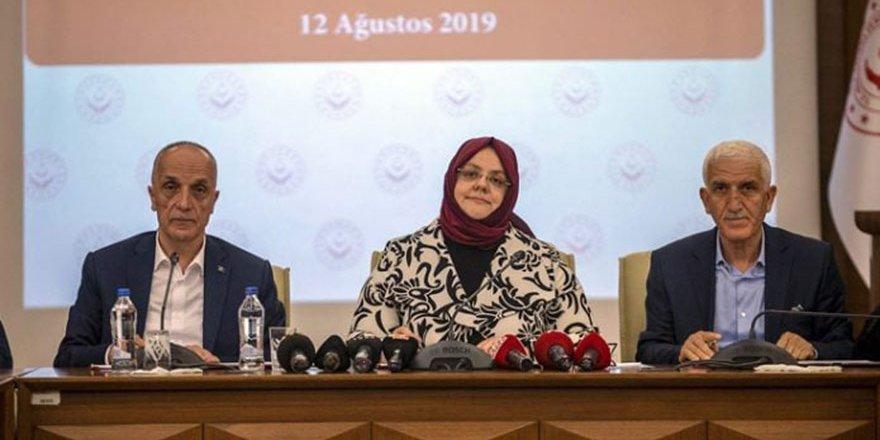 Türk İş Başkanı mikrofonu kapalı sanınca