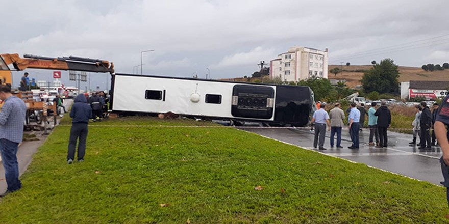 Çanakkale'de yolcu otobüsü devrildi! Yaralılar var