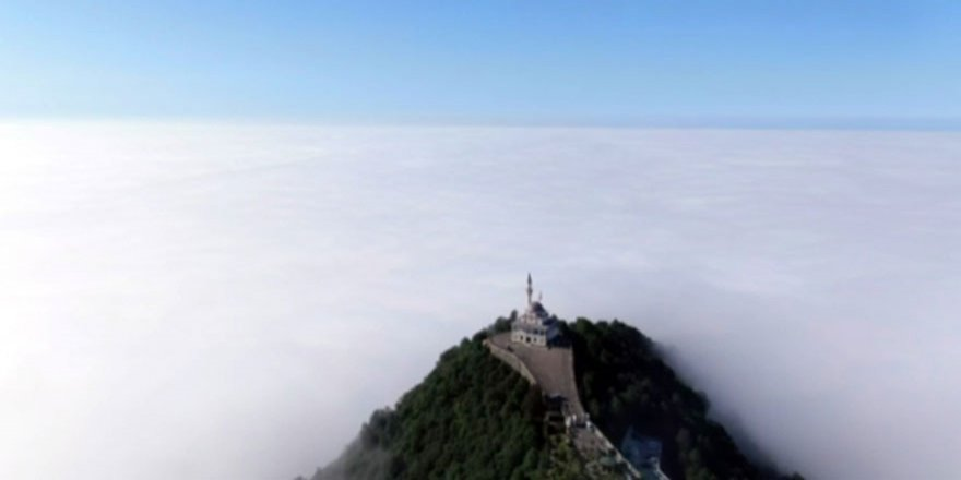 Kıble Dağı Cami'nden masalsı görüntüler