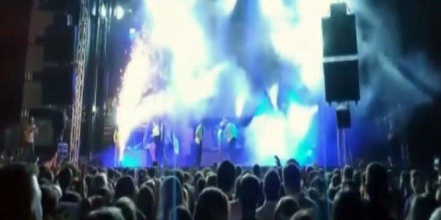 Ünlü şarkıcı Joana Sainz sahnede feci şekilde can verdi