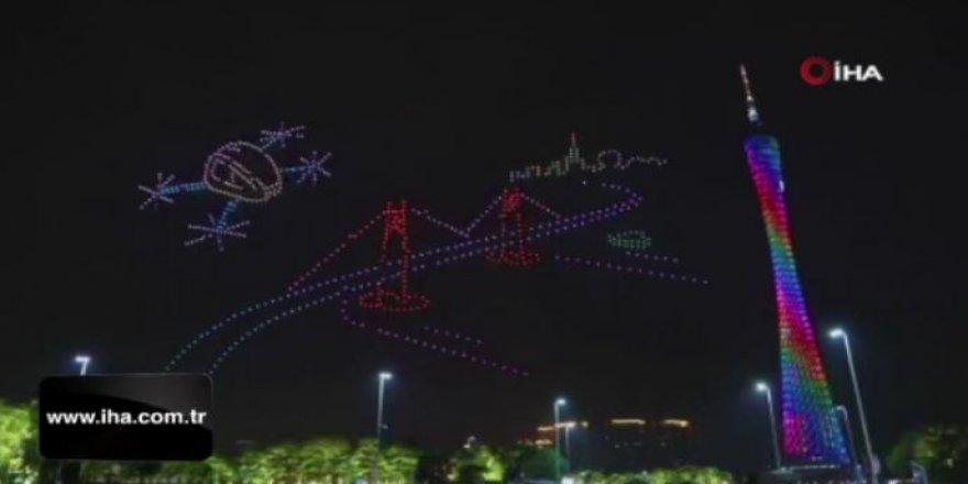 999 drone'lu görsel şölen