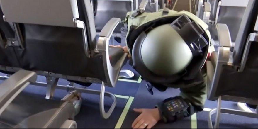 Özel harekat polislerinden, uçakta nefes kesen rehine kurtarma tatbikatı