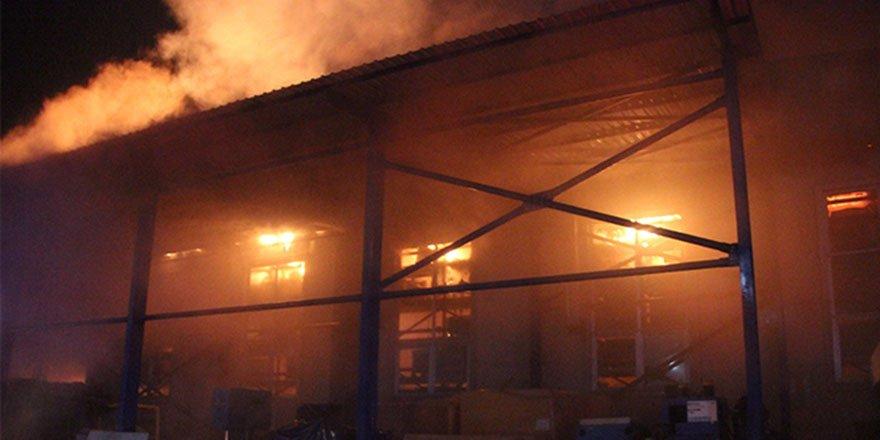 Düzce'de otomotiv yedek parça fabrikasında korkutan yangın