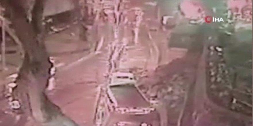 Sarıyer Çayırbaşı Tüneli girişinde istinat duvarının yıkılma anı kamerada