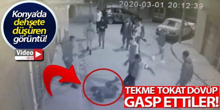 Tekme tokat dövülen gencin gasp edilme anı kamerada