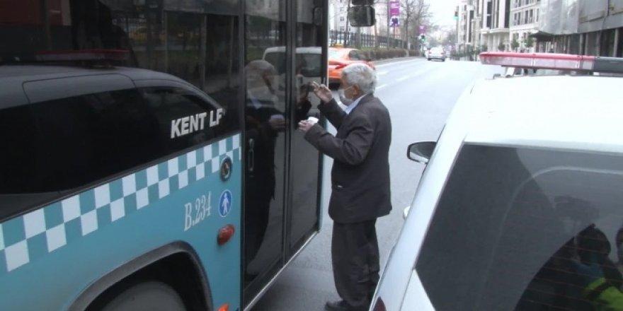 Yaşlı adamın otobüs şoförleriyle imtihanı