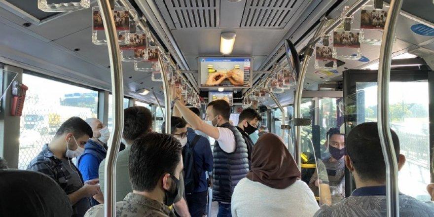 Toplu taşıma araçlarında sosyal mesafe hiçe sayıldı