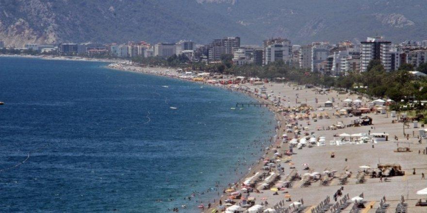 Antalya'da sosyal mesafesiz tatil!