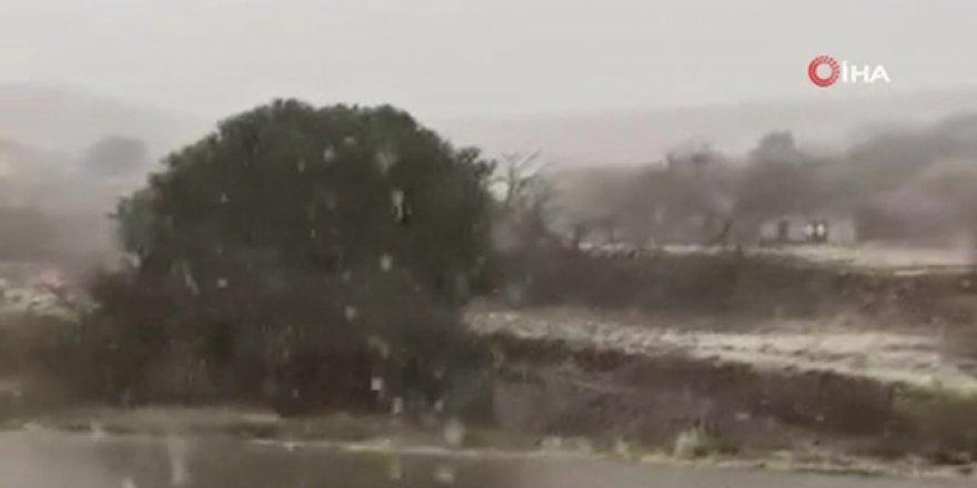 Suudi Arabistan'a kar yağdı