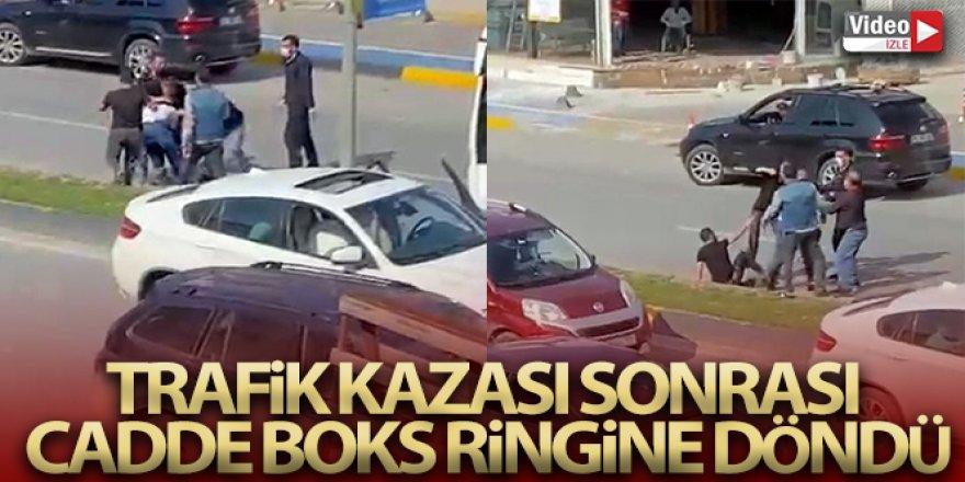 Trafik kazası sonrası cadde boks ringine döndü