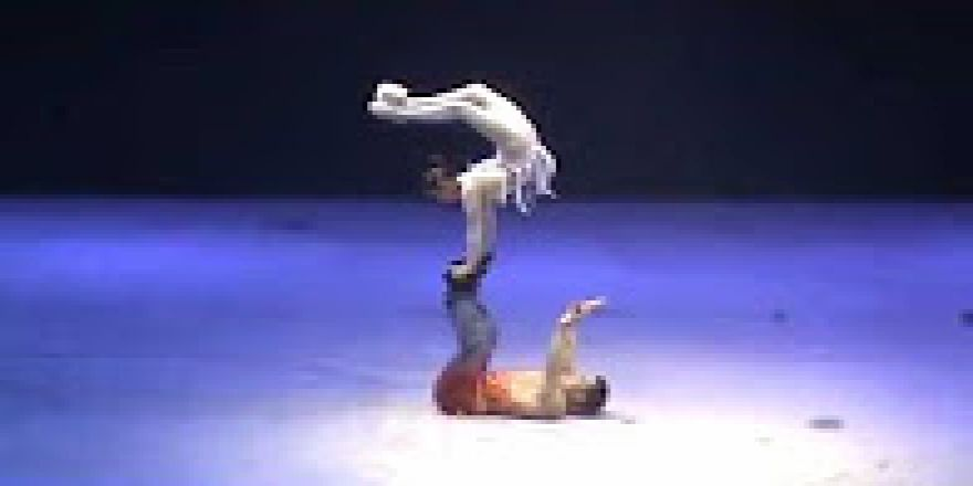 Muhteşem Akrobasi Gösterisi